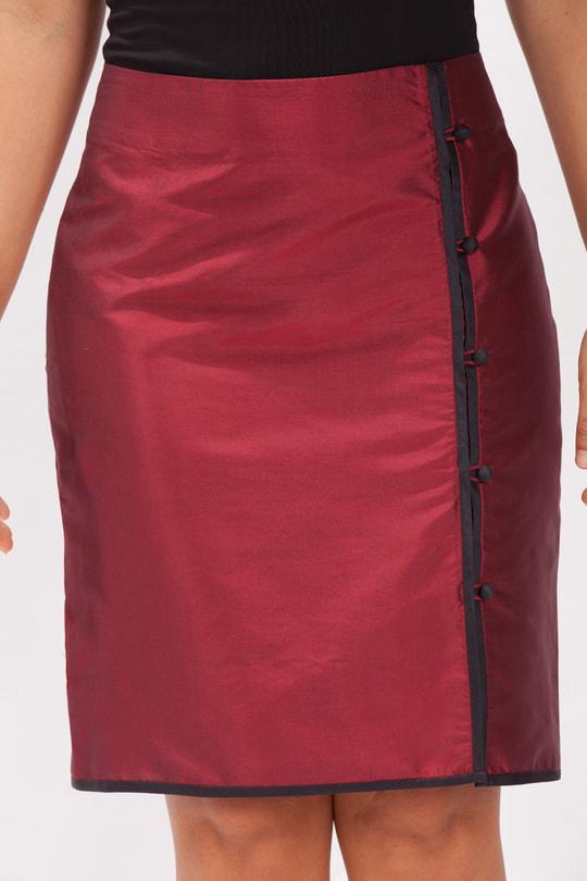 jupe portefeuille noir et rouge en soie naturelle, style asiatique, boutons traditionnels chinois, biais contrasté