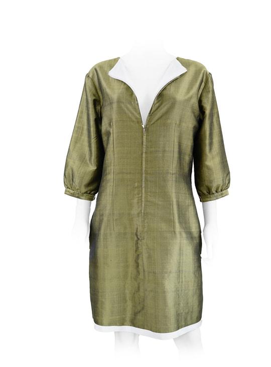 robe en soie naturelle bronze et blanc, doublée de soie blanche, tissé main traditionnellement