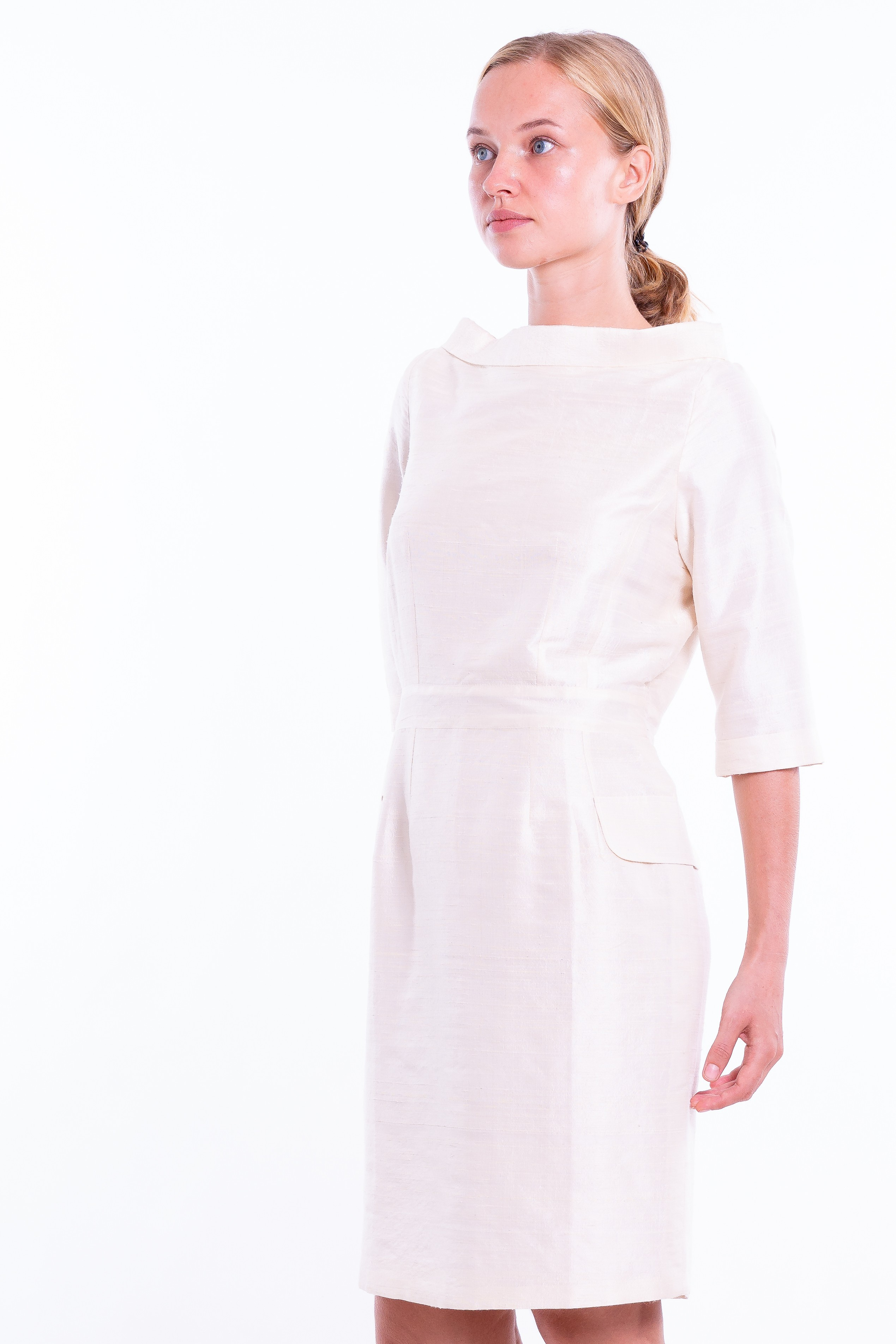 pure raw silk dress in natural ivory, mid-length, vintage inspiration, broad neckline, pencil skirt, fully lined in cotton