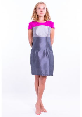 natural silk dress in slate gray with a color block top in pink and silver gray, fitted high waist and short sleeves, front
