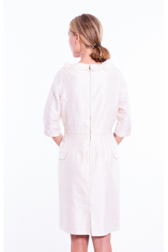 robe en soie sauvage couleur ivoire, entièrement doublée en soie et coton, esprit vintage, jupe droite, ceinture cousue, dos