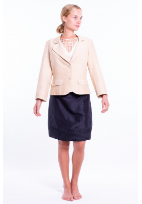 beige blazer in lotus fiber and natural silk, notched-collar and covered buttons, decorative flap pockets, front