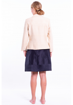 beige jacket in lotus fiber and natural silk, notched-collar and covered buttons, decorative flap pockets, back