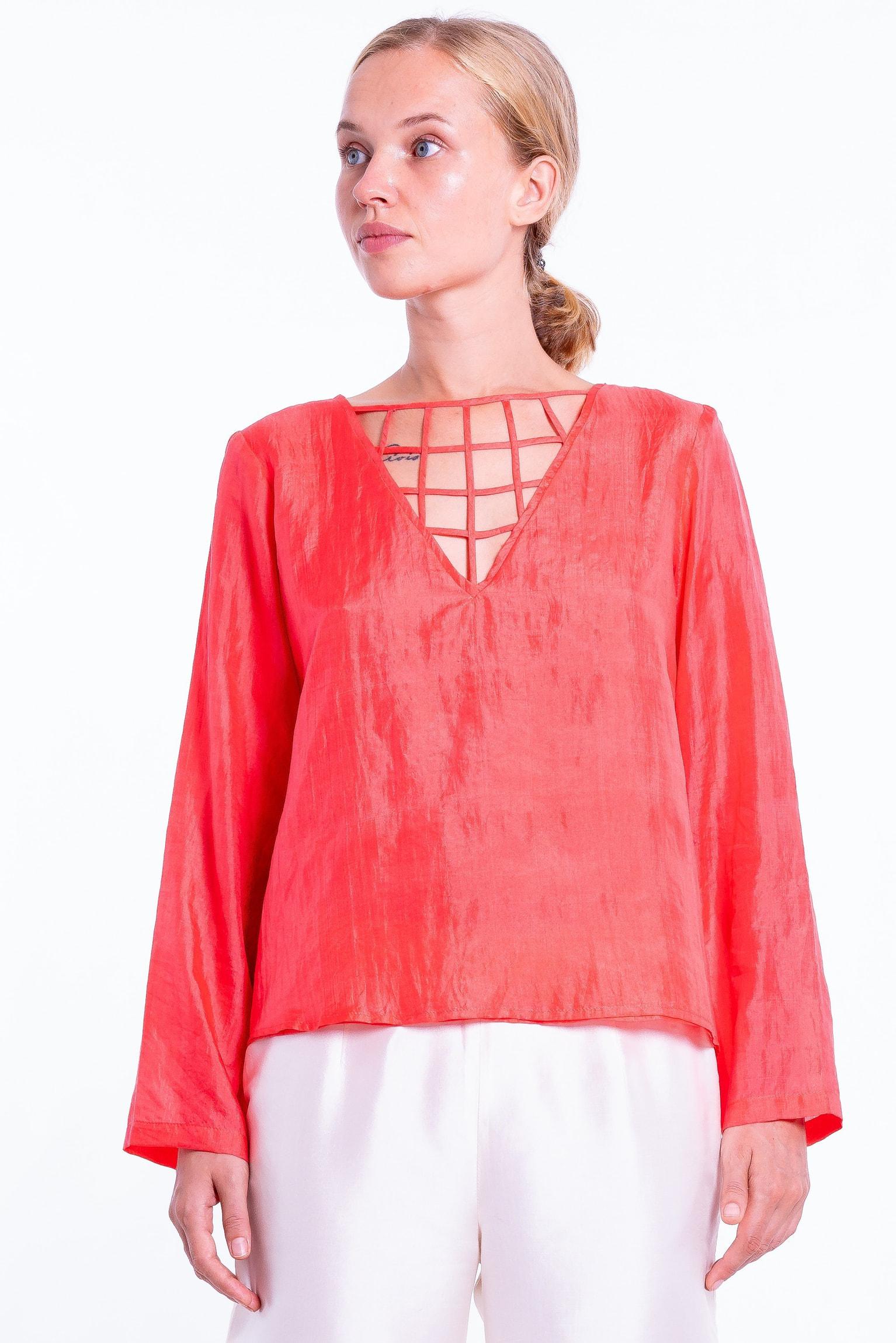 chiffon silk blouse, V neckline, lined with silk