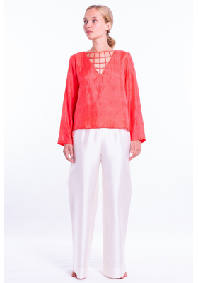 chiffon silk blouse, V neckline, lined with silk, front