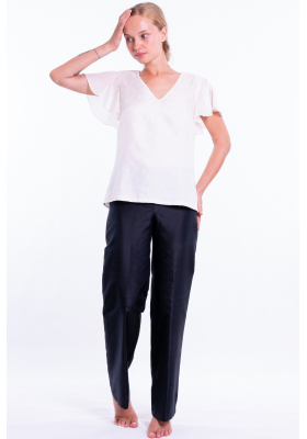 white raw silk top with short sleeves, V neckline, fully lined, fairtrade certified, front