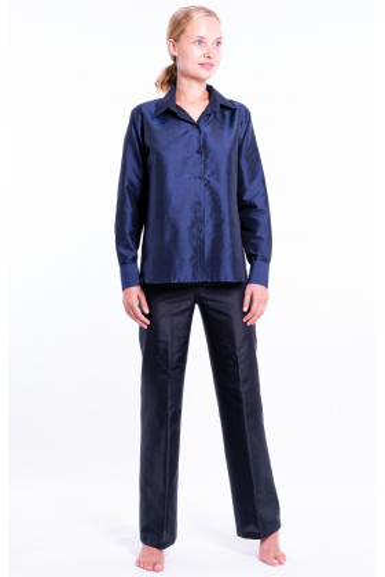 natural silk shirt in navy blue, front