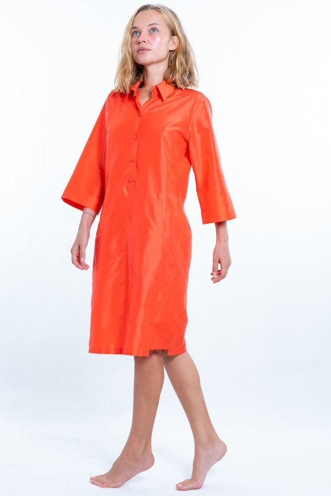 robe chemisier en soie naturelle orange, corail, poches italiennes passe-poilées, fait main au Cambodge