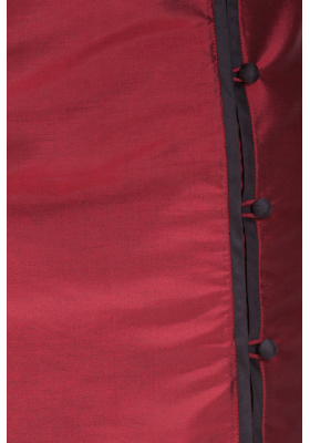 natural silk pencil skirt in dark red with contrasting black piping, covered buttons, side slit, fair-trade certified