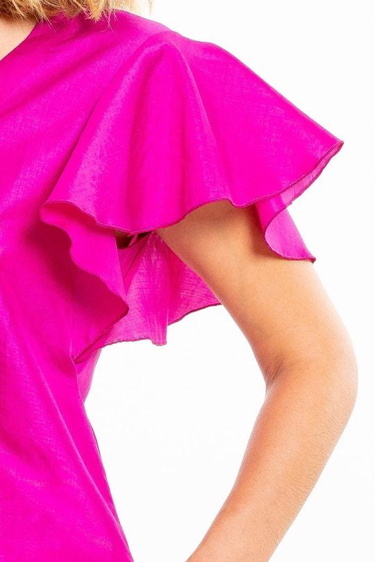 robe en soie naturelle rose, manches courtes à volants, col V, fermeture éclair invisible sur le côté