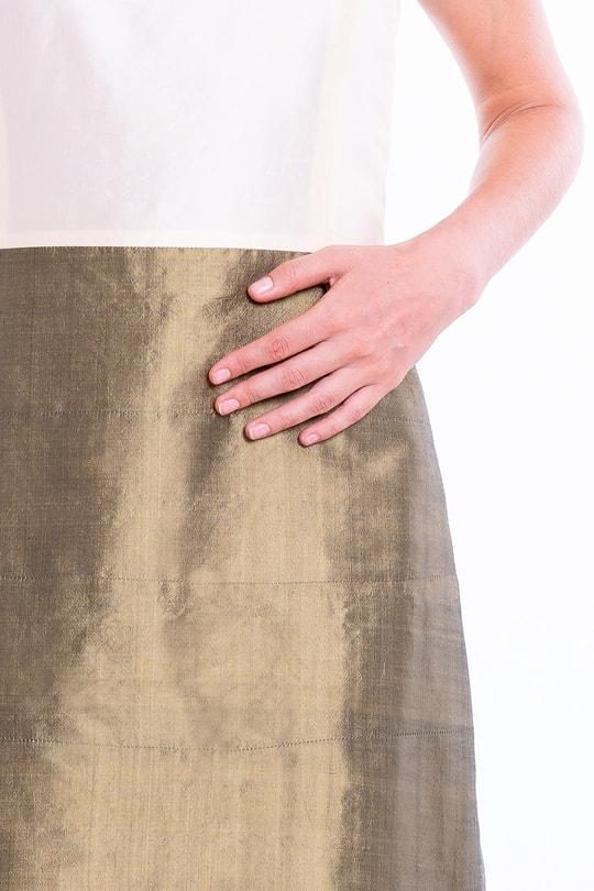 robe en soie naturelle bi-color, bronze et ivoire, sans manches, léger effet boule, doublée de soie fine, teinture Oeko-Tex